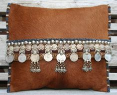 Tan Pony hide beaded coin trim foldover clutch www.kussenvanpaula.blogspot.nl
