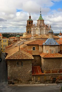 Rooftop view in Teruel, Aragon / Spain (by Trevor.Huxham).