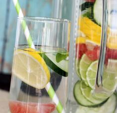 Slim Down Detox Water recipe. This detox water is made to do all sorts of good things for your body! Cucumbers are natural diuretics and will help your body. Detox Drinks, Healthy Drinks, Healthy Snacks, Detox Juices, Healthy Detox, Quick Detox, Healthy Water, Water Recipes, Detox Recipes
