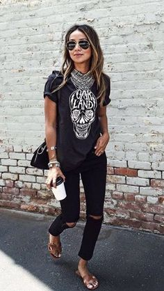 42 Trendy Summer Outfits Ideen mit Jeans - Diy-Mode 42 trendy summer outfits ideas with jeans Trendy Summer Outfits, Edgy Outfits, Mode Outfits, Fashion Outfits, Fashion Trends, Fashion Ideas, Rock Chic Outfits, Fashion Clothes, Grunge Outfits