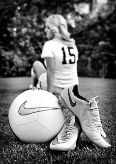 Secrets Of Sneaker Shopping – Sneakers UK Store Soccer photo ideas for senior portraits Soccer Poses, Soccer Senior Pictures, Senior Photos Girls, Senior Girls, Graduation Pictures, Volleyball Poses, Volleyball Team, Senior Portraits Girl, Senior Girl Photography