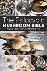The Psilocybin Mushroom Bible: The Definitive Guide to Growing and Using Magic Mushrooms by Dr. K Mandrake PhD Growing Mushrooms At Home, Garden Mushrooms, Mushroom Culture, Psilocybin Mushroom, Mushroom Grow Kit, Mushroom Cultivation, Growing Plants, Fungi, Oysters