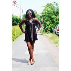 'Life is better when you're laughing'       #oriwodesign #hamburg #slowfashion #braids #africanblogger #blogger_de #lbd #africanprint #massai #ankarashoes  #teamnatural #stylegram #outfitpost #outfitinspiration #casual #summer #casualstyle  #massainecklace  #littleblackdress  #statementnecklace #handmade #statementjewelry  #dresscasual #fashionblogger_de #laughteristhebestmedicine #laughter