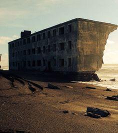 Une ville de pêcheurs abandonnée dans la région du Kamchatka, en Russie