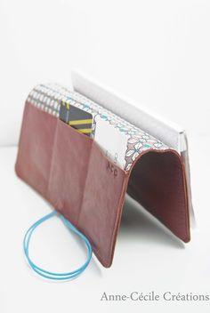 7ceb0892d081 Etsy - Achetez des cadeaux faits main, vintage, personnalisés et uniques  pour tout le monde. Porte Feuille CuirSacs ...