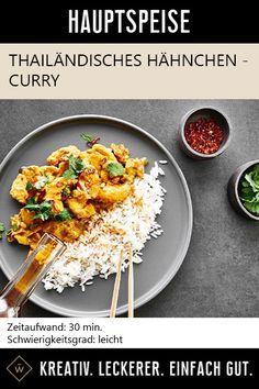Ein Klassiker der asiatischen Küche, ein Muss für jedes Ölregal. Mit dem Roten Thai-Curry Öl lässt sich der einzigartige Genuss asiatischer Köstlichkeiten ganz einfach in der eigene Küche zubereiten. Der Geschmack roter Chillies, Knoblauch und Paprika bringen die besondere Kombination aus Würze, Schärfe und Frische in jedes Gericht und ein Stück Asien in jede Küche. Dieses Rezept ist der beste Beweis. #thai #hühnchen #asiatisch #rezept #thailand #hähnchen #asia Thai Curry, Thailand, Ethnic Recipes, Food, Asian Cuisine, Asian Food Recipes, Garlic, Asia, Meals