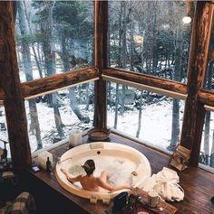 This is the perfect snowy retreat 😍👌 Ushuaia, Tierra del Fuego 🇦🇷 📸: Winter Cabin, Cozy Cabin, Cosy Winter, Loft Interior, Interior And Exterior, Interior Design, Design Interiors, House Interiors, Cabins In The Woods