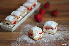 Bocaditos de hojaldre con merengue y fresas