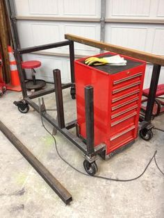 welding table plans or ideas Welding Cart, Welding Jobs, Diy Welding, Welding Table, Metal Welding, Welding Projects, Welding Ideas, Metal Projects, Diy Projects