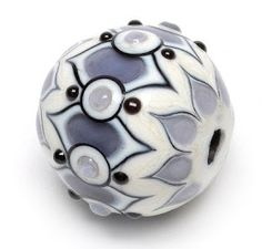 Amy Waldman-Smith's 2014 Bead & Button commemorative bead