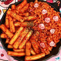 Learn what are Chinese Meat Cooking Korean Street Food, Korean Food, I Love Food, Good Food, Yummy Food, Healthy Food, K Food, Food Porn, Fast Food
