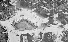 """Luchtfoto van het oostplein met molen """"de noord"""" jaren 30"""