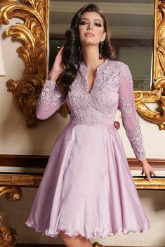 Rochii scurte de ocazie la modă în 2020 - Rochii de ocazie în vogă anul acesta Dresses With Sleeves, Lace Dresses, Fancy Dress, Nasa, Personal Style, Satin, Foxes, Formal, Long Sleeve