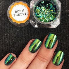 Holographic chameleon mirror #glitternails design by @nbnailart, more details shared in bornprettystore.com.