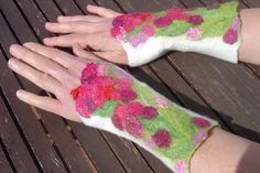 Gorgeous!: Felted wrist warmers