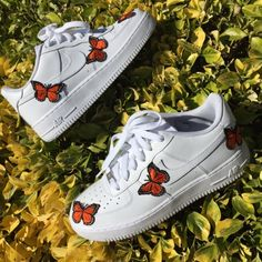 Mariposa Air Force 1 Custom is part of fashion - Nike custom limited pairs will be produced all items take around 23 weeks to ship depending on order volume Some orders ship sooner depending on… Sneakers Fashion, Fashion Shoes, Shoes Sneakers, Women's Shoes, Shoes Style, Shoes Men, Sneakers Adidas, Blue Sneakers, Sneakers Women