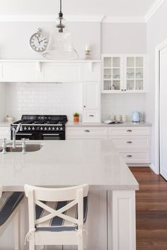 82 kitchen design and decoration design models that are right for your home kitchen design inspiration - frasesdemoda . Cute Kitchen, New Kitchen, Kitchen Dining, Awesome Kitchen, Home Decor Kitchen, Home Kitchens, Kitchen Ideas, Layout Design, Design Ideas