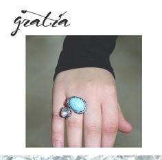 A nossa Joaninha apaixonou-se pelo nosso anel! Colocou-o logo no dedo e brilhou. Adoramos vê-lo com ela, obrigada pela simpatia! **~~