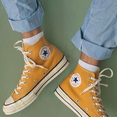 """Converse Chuck Taylor High """"Sunflower"""" - Converse Chuck Taylor High """"Sunflower"""" Source by - Style Converse, Mode Converse, Yellow Converse, Converse All Star, Converse Shoes, Converse High, Converse Tumblr, Colored Converse, Dr Shoes"""