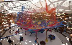 Parque infantil de crochê, no museu do Japão