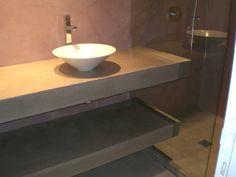 Protection d'un meuble de salle de bain en résine d'époxy