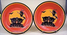 "2 Vintage 60""s Halloween Paper PARTY Plates 2 Black Cat with Flying Witch Cats"