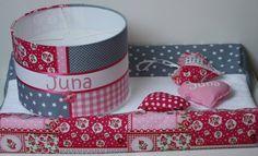 Aankleedkussenhoes, lampenkap en hartjes voor Juna