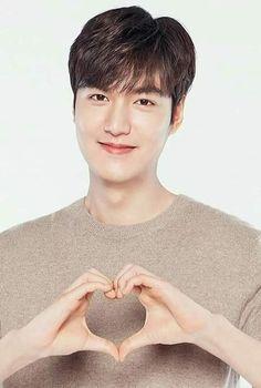 I also love u baby😍😍😍 Lee Min Ho Shirtless, Lee Min Ho Boys Over Flowers, Lee Min Ho Wallpaper Iphone, Heo Joon Jae, Lee Min Ho Smile, Lee Min Ho Dramas, Lee Minh Ho, Lee And Me, Good Looking Actors
