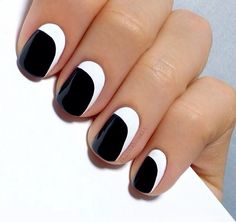 Black and white #nails #manicure