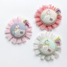 ゆめかわいい!フラワーロゼット Ribbon Rosettes, Minne, Handmade Accessories, Macarons, Watercolor Art, Embellishments, Diy And Crafts, Brooch, Jewelry