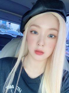 Thing 1, Seulgi Instagram, Red Velvet Irene, Korean Girl, Coral, Pretty, Beauty, Women, Twitter