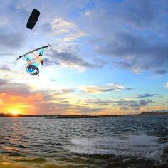 Hugo Guias !! #takoonfamily #kappaseries #kitesurfing #kiteboarding