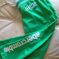 Abercrombie Pants Sweat Exercise Green Adult Xs Teens L Used Yoga Preowned Selling for $25 or make an offer at Quitamela Ebay store of Sara Molano