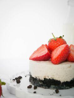 PannaCotta Türmchen mit  Erdbeeren und Oreo´s
