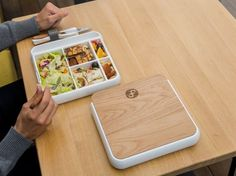 Slim, thermo-insulated and leakproof. Unibody food tray makes it easy to use and… Slim, thermo-insulated and leakproof. Unibody food tray makes it easy to use and clean. Designed to fit perfectly in our daily bags. Healthy Foods To Eat, Healthy Eating, Healthy Recipes, Lunchbox Design, Adult Lunch Box, Cuisines Diy, Lunch Box Containers, Boite A Lunch, Work Meals