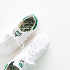 More on www.offwhiteswan.com The perfect ones for summer - Adidas Stan Smith Primeknit 💚 #stansmith #adidasprimeknit #primeknit #adidasoriginals #flatlay #sneaker #offwhiteswan #swantjesoemmer