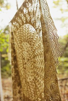 Ravelry: Leaves of Grass pattern by Jared Flood. Exquisite, classic.