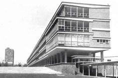 Edificio de la Escuela de Economía,UNAM, Ciudad Universitaria, México DF 1954  Arqs. Vladimir Kaspé y José Hanhausen -  School of Economics building, UNAM University City, Mexico City 1954