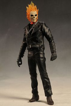 Ghost Rider Johnny Blaze action figure and Hell Cycle motorcycle by hot Toys