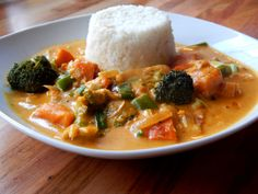 Kürbiscurry mit Blumenkohlreis Gabs, Super, Thai Red Curry, Wednesday, Vegan Recipes, Ethnic Recipes, Pumpkin Curry, Credenzas, Napa Cabbage