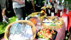 Frokost i det grønne. Madpakkehuse. På Visit Skanderborg, findes en oversigt over picnicsteder, og madpakkehus til frokost i det fri. Der henvises også til leverandør af picnickurv. 2