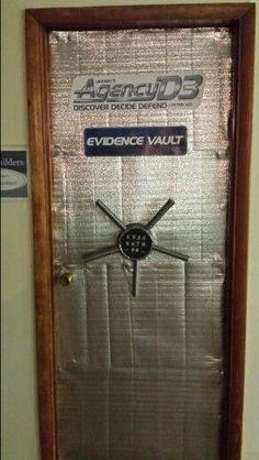 Agency Evidence Vaults - or safe where bad bad guys store their weapons Geheimagenten Party, Party Props, Party Ideas, School Themes, Classroom Themes, Estilo James Bond, Summer Camp Themes, Summer Fun, Secret Agent Party