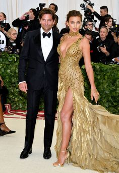 Met Gala 2018 is starting now, and celebrities are making their appearance on the red carpet. Here, what everyone is wearing, from Blake Lively to Amal Clooney. Amal Clooney, Donatella Versace, Irina Shayk, Blake Lively, Gala Dresses, Red Carpet Dresses, Nice Dresses, Celebrity Red Carpet, Celebrity Dresses