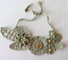Crochet Linen Necklace - Statement Necklace - Choker via Etsy Crochet Bib, Crochet Amigurumi, Crochet Collar, Freeform Crochet, Irish Crochet, Crochet Motif, Crochet Designs, Hand Crochet, Crochet Flowers
