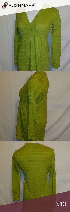 Banana Republic green vneck blouse size large Measurements Armpit to armpit 18in Length 26in Banana Republic Tops Blouses