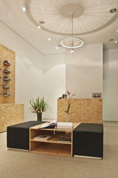Suppa Sneaker Boutique - Studio DLF design and interior Daniele Luciano Ferrazzano Shoe Store Design, Retail Store Design, Diy Furniture, Furniture Design, Lofts, Retail Concepts, Sneaker Boutique, Shop Interior Design, Architect Design