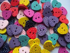 10 x Lovely Painted Spotty/Dotty Heart Buttons 15mm x 13mm (R4D3) - Only 99p