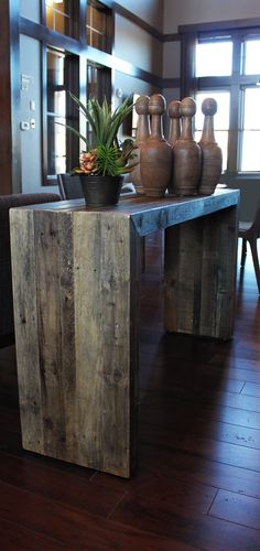 Reclaimed Wood Console / Reclaimed Wood Furniture by AtlasWoodCo Reclaimed Wood Benches, Reclaimed Wood Projects, Reclaimed Wood Furniture, Diy Pallet Projects, Palette Deco, Entryway Console Table, Decoration Inspiration, Decor Ideas, Barn Wood