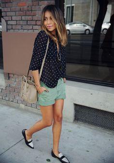 Lleva tus shorts con unos flats para un look más casual.