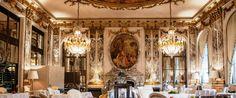 Μετά την αποχώρηση του Yannick Alleno  από τα ηνία της κουζίνας  του Le Meurice και το κλείσιμο του εστιατορίου του στο Plaza-Athenee για ανακαίνιση, ο Alain Ducasse ανέλαβε το δύσκολο εγχείρημα να οργανώσει τη μεταφορά και το άνοιγμα ενός τριάστερου εστιατορίου μέσα σε μερικούς μήνες.